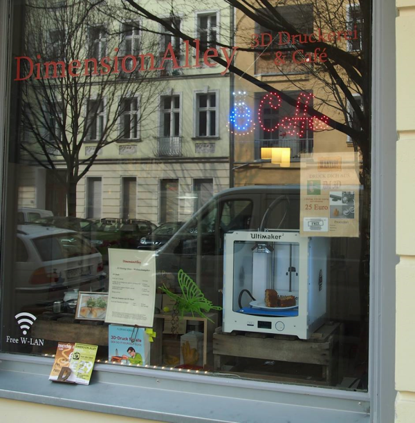berlin-3d-printing-cafe-2