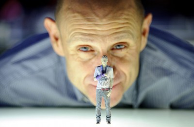 Evan Davis opens the 3D printing exhibition at the Science Museum