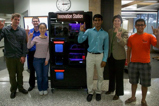 3d-printing-vending-machine-unveiled-on-university-of-texas-campus-5
