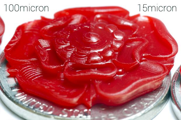 ในรูปแสดงให้เห็นงานชิ้นเดียวกัน พิมพ์ที่ Z Resolution 100micron กับ 15Micron จะเป็นว่า 15Micron ดูสวยกว่ามากแต่ใช้เวลาในการพิมพ์มากกว่าหลายเท่าเช่นกัน