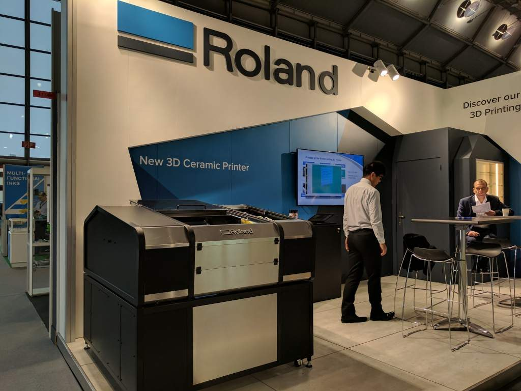 Roland-3D-ceramic-printer-formnext-1024x768