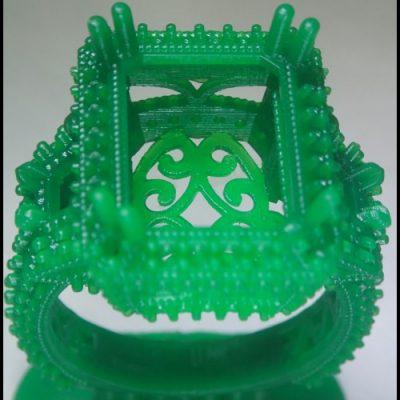emerald_resin_ring
