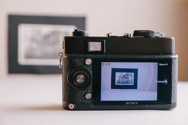 ดัดแปลงกล้องฟิล์ม Konica เป็นดิจิทัล ด้วยเครื่องพิมพ์สามมิติ