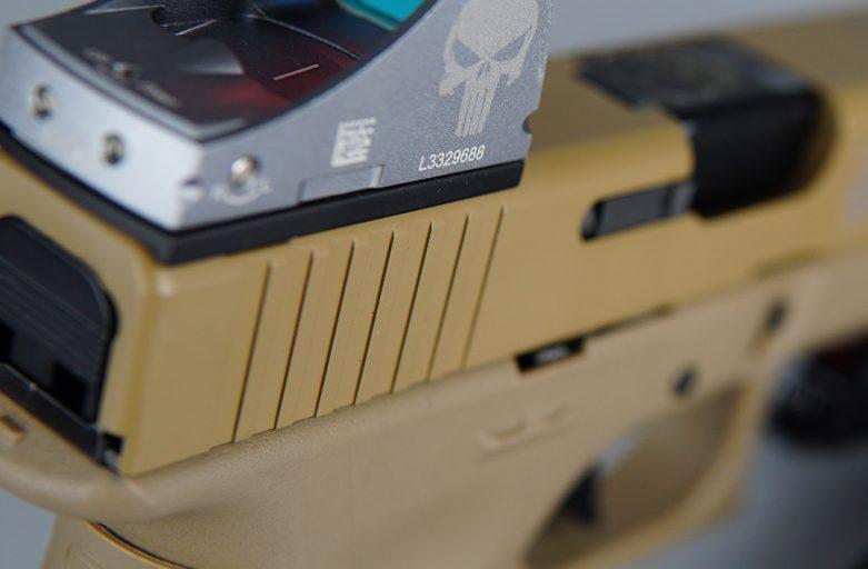 ตัวอย่างงาน Laser Marking  บนปืน ซองปืน เพิ่มมูลค่า
