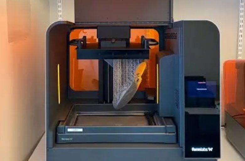 การพิมพ์โมของส้นรองเท้าแฟชั่นก่อนนำไปผลิตจริงด้วย 3D Printer Form3L